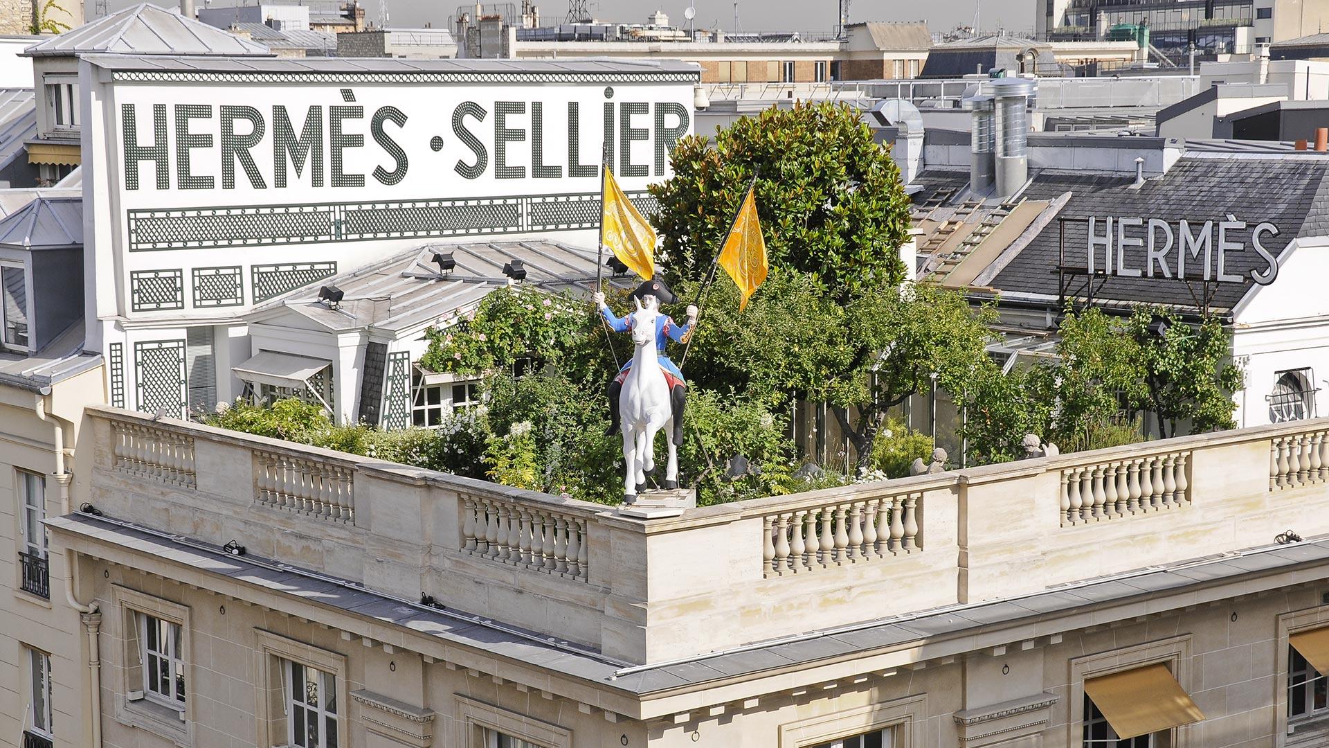 Artifier sur le toit du Faubourg Saint-Honoré